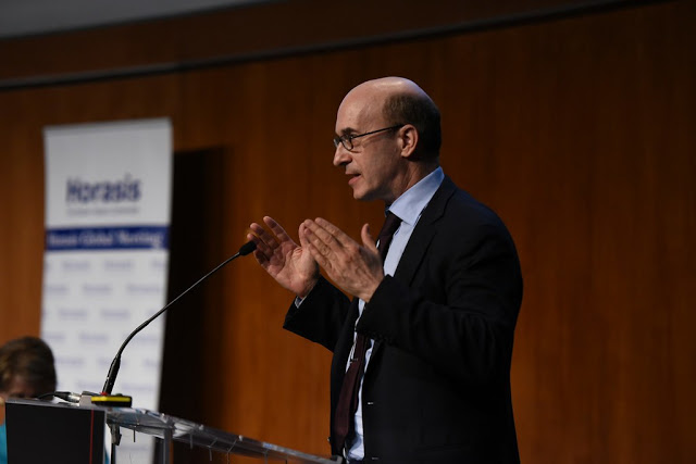 "Kenneth Rogoff's war on cash: is he right to call cash a ""curse""?"