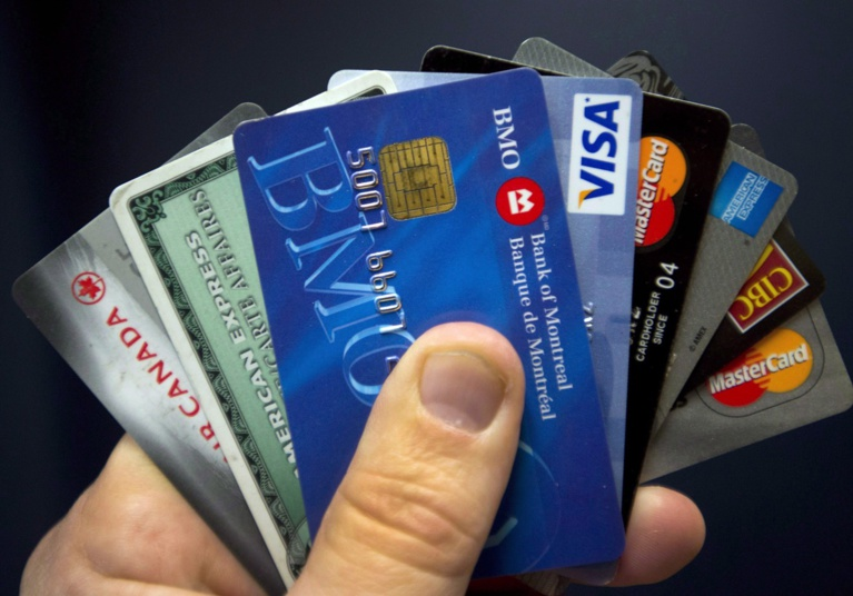 Canada : Move towards cashless economy could shutout lower income shoppers