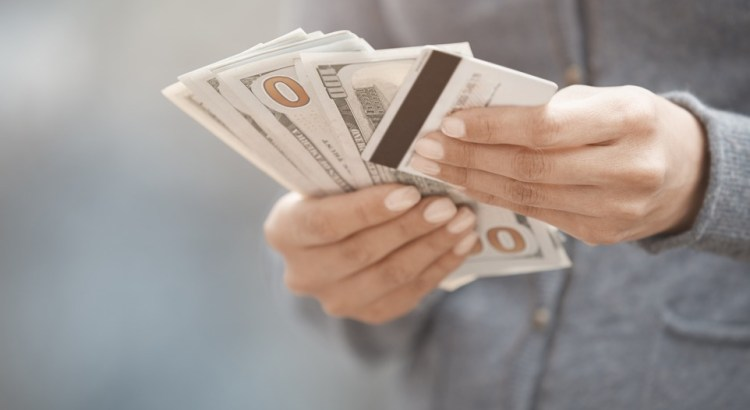 Cashless society: two sides of the debate