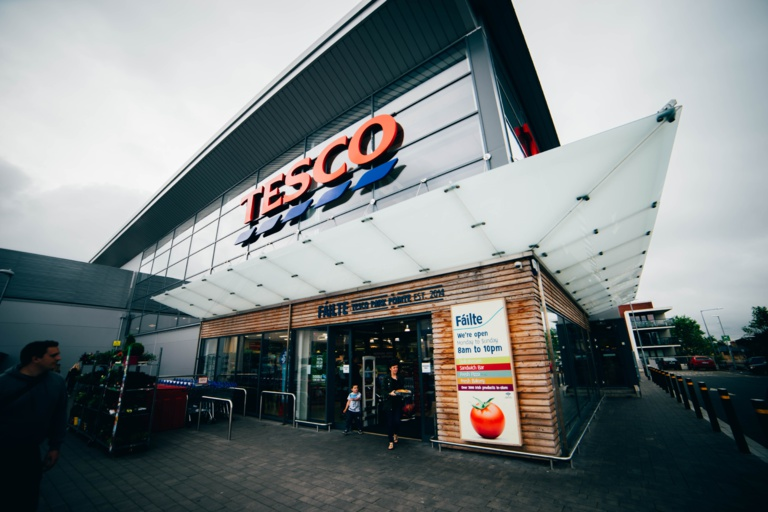 Becoming 100% cashless: Tesco's mistake