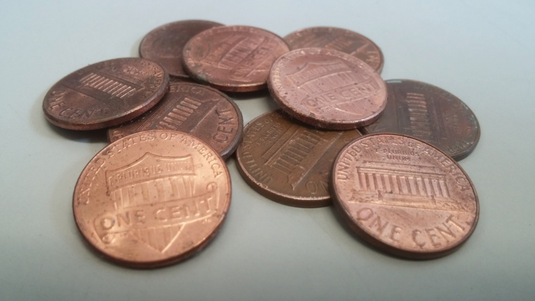 US coin shortage as another step to cashless society