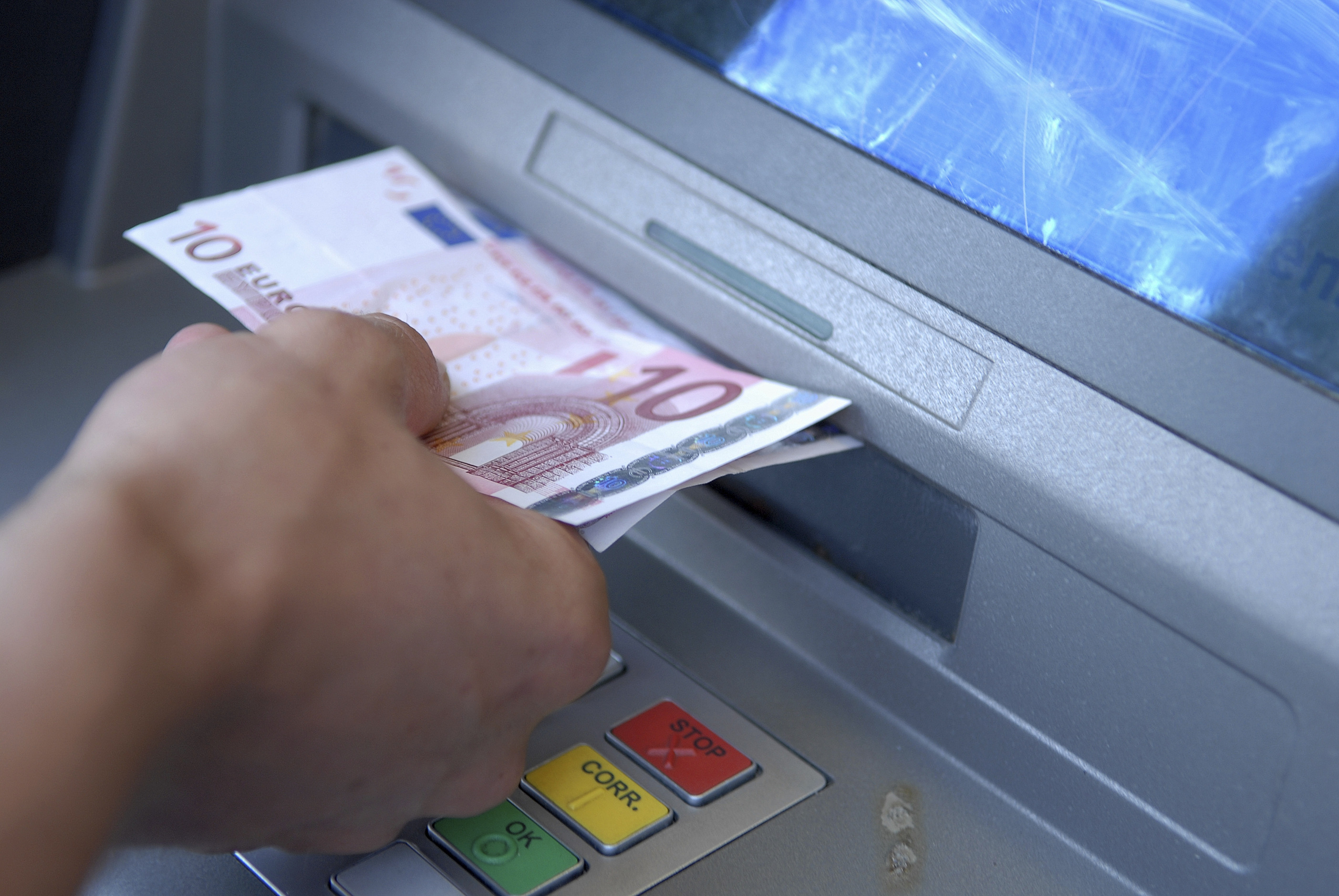 """""""It's time to halt the relentless drive for a cashless society"""" Ross Clark"""