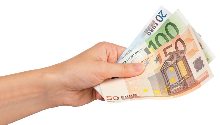 Cashless society: lessons from Sweden