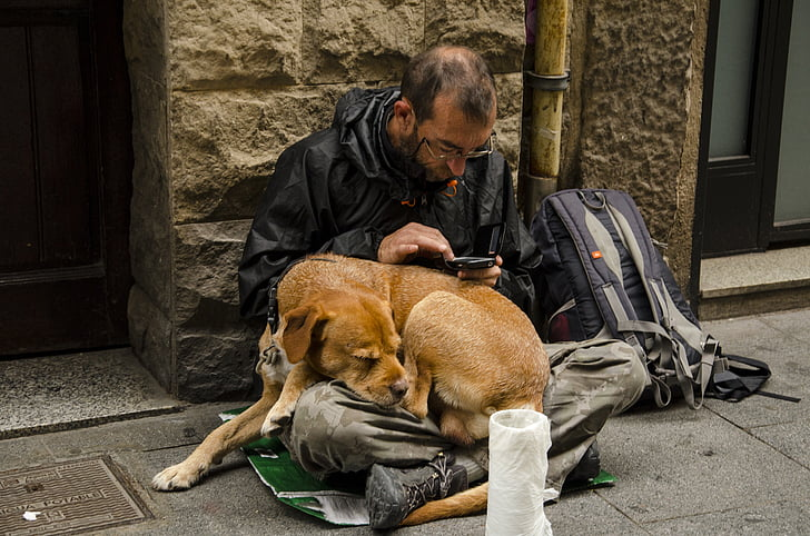 How homeless people are impacted by the cashless strategy