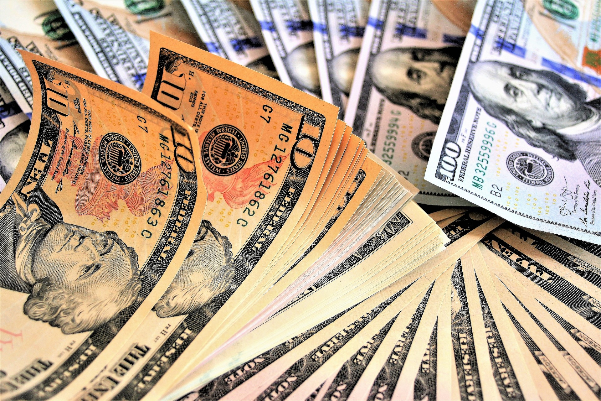 Lack of privacy, economic calamity: the threats of a digital dollar