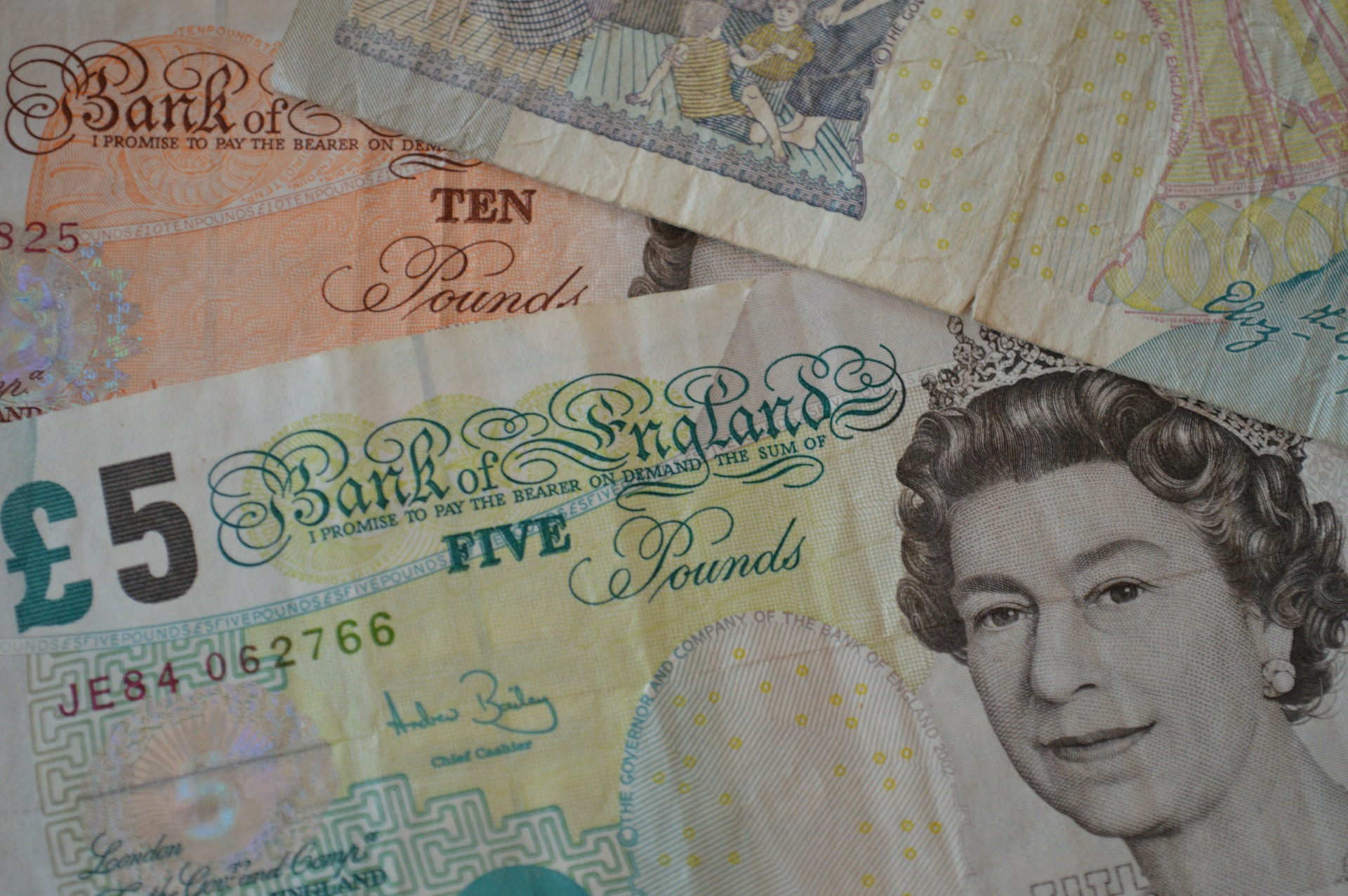 Brits are not ready for a Cashless society