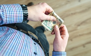 People still like and use cash despite COVID-19 fears