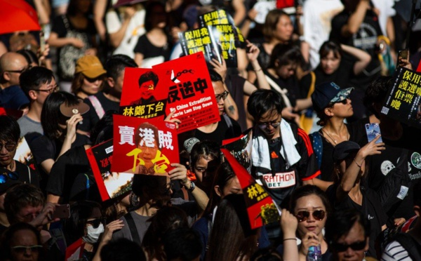 Hong Kong protests show the dangers of a Cashless Society